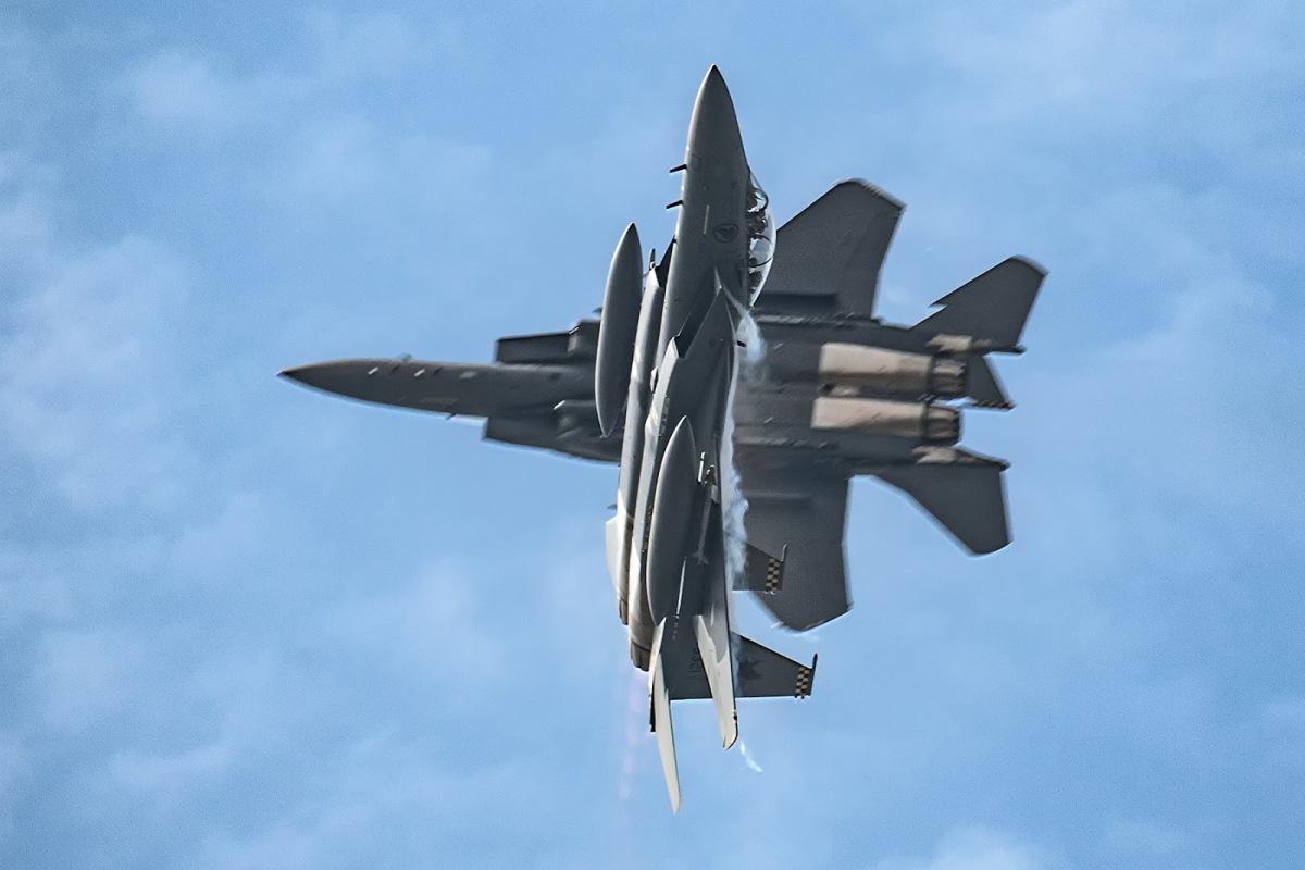 F 15 Singapura Boeing Menyelesaikan P...