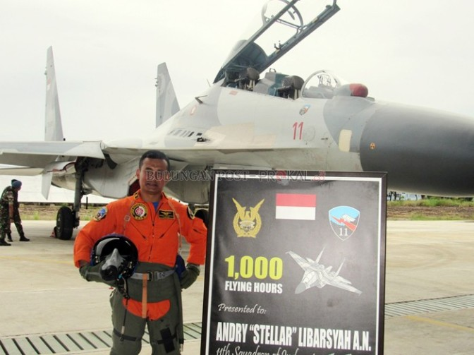 """""""Stellar"""" Raih 1000 Jam Terbang dengan Sukhoi"""