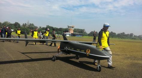 Uji coba Drone Elang Laut di Lapangan Terbang Pustekroket Rumpin, Kabupaten Bogor. (defence.pk)