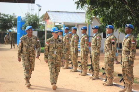 Atase Pertahanan Republik Indonesia untuk negara Sudan, Yordania, Lebanon dan Mesir Kolonel Laut (P) Kemas Ikhwan Madani mengunjungi Satgas Indobatt-03 Konga XXXV-C United Nations Missio