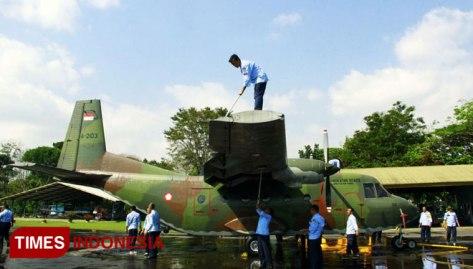 C-212 Cassa di hanggar Skatek 022 Lanud Abd.Saleh Malang.Senin,31072017. (TIMES Indonesia)