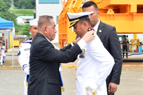 Komandan KRI Nagapasa - 403 yaitu Letkol Laut (P) Hari Setyawan (Kemhan)