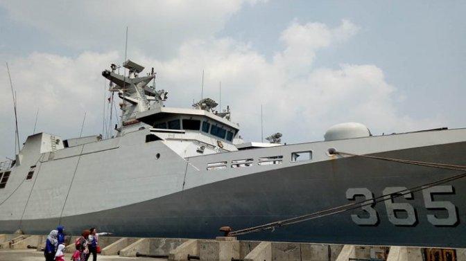 Empat Kapal Perang Bersandar di Pelabuhan Tanjung Emas