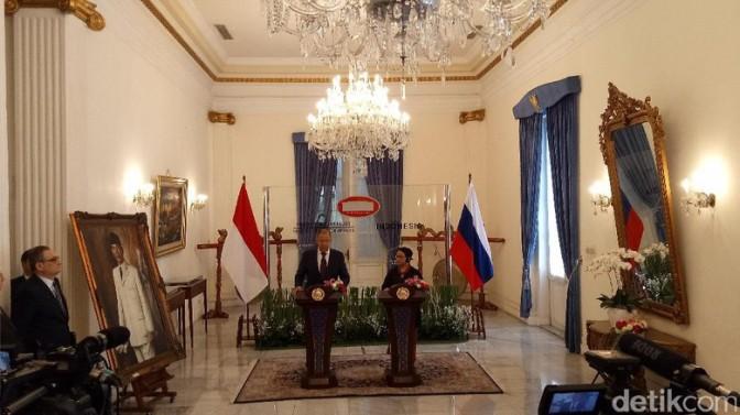 Menteri Luar Negeri RI Teken Kerja Sama Konsultasi dengan Rusia