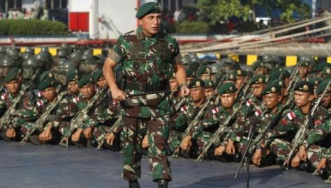 Pangkostrad Letnan Jendral Edy Rahmayadi (Tempo)