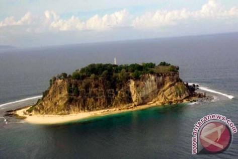 Pulau Batek NTT Jadi Lokasi Strategis Pangkalan Militer