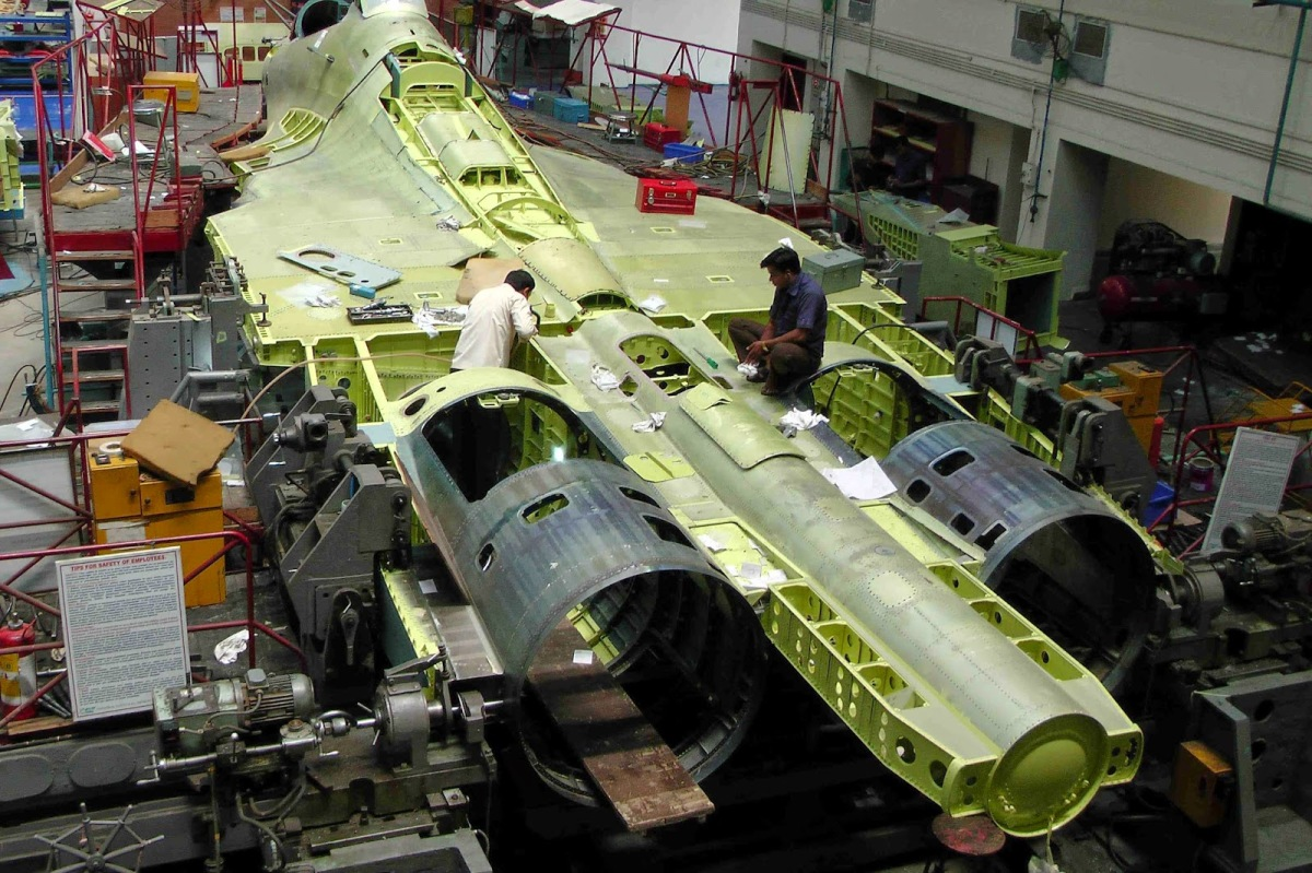 Pembelian Su-35 Termasuk ToT dan Fasilitas Perawatan Jet Tempur (MRO)