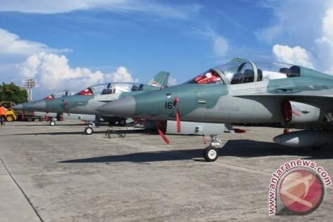T50i Golden Eagle dari Skuadron Udara 15 TNI AU. Sebagian dari armada skuadron udara ini tengah berada di Pangkalan Udara TNI AU Eltari, Kupang, NTT, dalam misi Operasi Kilat Badik 2017.