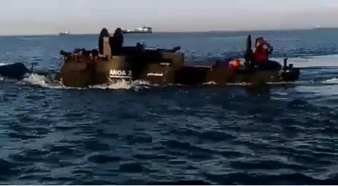 Anoa 2 Amphibious laksanakan Uji Amfibi di Laut Cilegon (2809) (BUMN)