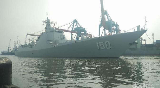 Selain USS Coronado, Tiga Kapal Perang China Juga Sandar di  Tanjung Priok