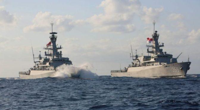 KRI Bung Tomo-357 Sambut KRI Usman Harun-359 di Laut Mediterania