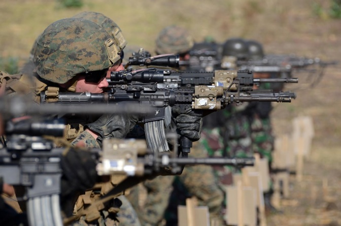 Marinir Indonesia – Amerika Berlatih Menembak