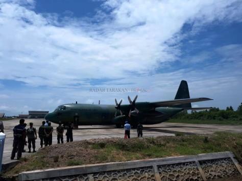 Tentara dari satuan Batalion Ke 11 Rejimen Askar Melayu DiRaja saat tiba di Tarakan, Senin (2509). (Prokal)