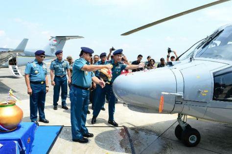 Beechcraft King Air 350i Dan Helly Panther AS 565 Resmi Masuk Jajaran Penerbangan TNI AL. (TNI AL)