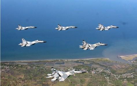 Flypass Sukhoi Warnai Farewell Flight Komandan Skadron Udara 11. (TNI AU)