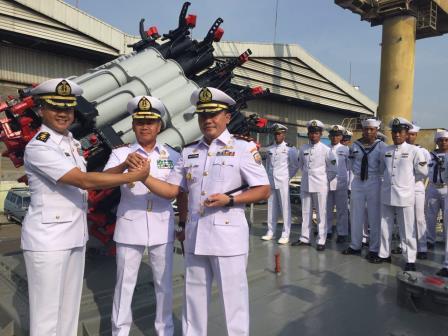 KRI Sultan Nuku-373 dipimpin oleh komandan yang baru yaitu Letkol Laut (P) Agus Setyawan. (TNI AL)