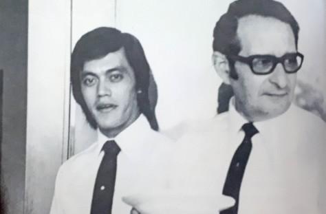 Very Pelenkahu (kiri) dengan penasihat Israel di Cipayung, 1971. (KennethJ Conboy, dalam buku Intel, InsideIndonesia's Intelligence Service)