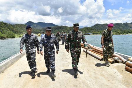 Wakasal Tinjau Pembangunan Dermaga Armada Terpadu Teluk Ratai. (TNI AL)