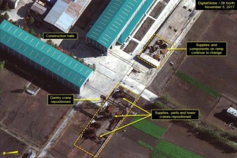 Citra satelit menunjukkan Korut mempercepat pembuatan kapal selam rudal balistik operasional pertamanya di galangan kapal Sinpo South. (North38)