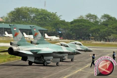 F-16 di Lanud Manuhua (Antara)