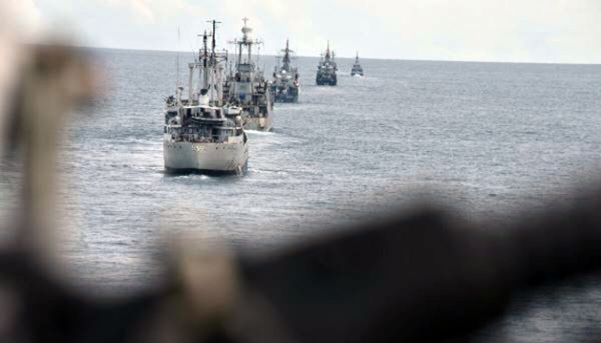 Lima Kapal Perang TNI AL Latihan di Perairan Singkawang