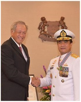 Kasal Terima Penghargaan Pingat Jasa Gemilang Dari Pemerintah Singapura