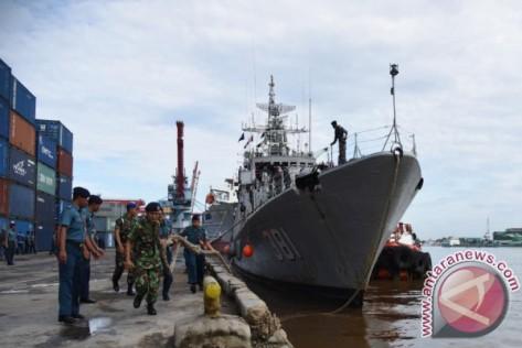 KRI Tjiptadi 381 yang sandar di Pelabuhan Dwikora Pontianak (Dispenal Pontianak)