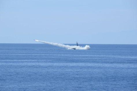 Penembakan rudal C-705 oleh KRI Kujang-642 dan KRI Clurit-641 serta Penembakan Torpedo SUT Kepala Perang oleh KRI Nanggala-402. (Pen TNI AL)