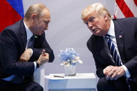 Presiden Rusia Vladimir Putin dan Presiden AS Donald Trump (AP)