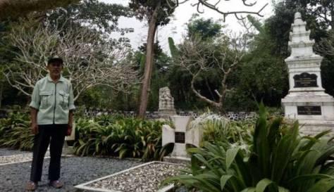 Tugu dan makam tentara Nazi di Sukaresmi, Megamendung. (Viva)