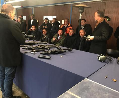 Abraham Mose, dan Direktur Bisnis Produk Hankam PT Pindad,Widjajanto, mendampingi Menteri Pertahanan RI, Ryamizard Ryacudu, dalam kunjungan ke FN Herstal Belgium. (Widja 2017)