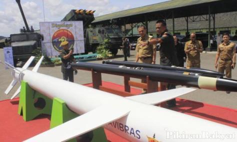 Alutsista di HUT Armed TNI AD ke-72 (PR)