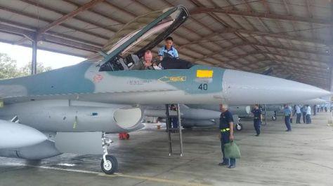 Empat Unit F-16 C dari Guam Mendarat di Lanud Iswahjudi. (Detik) 1