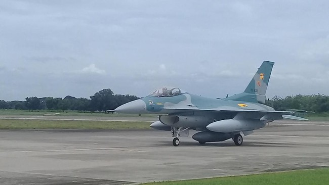 Dua F-16 Hibah Amerika Serikat Batal Tiba di Lanud Iswahjudi