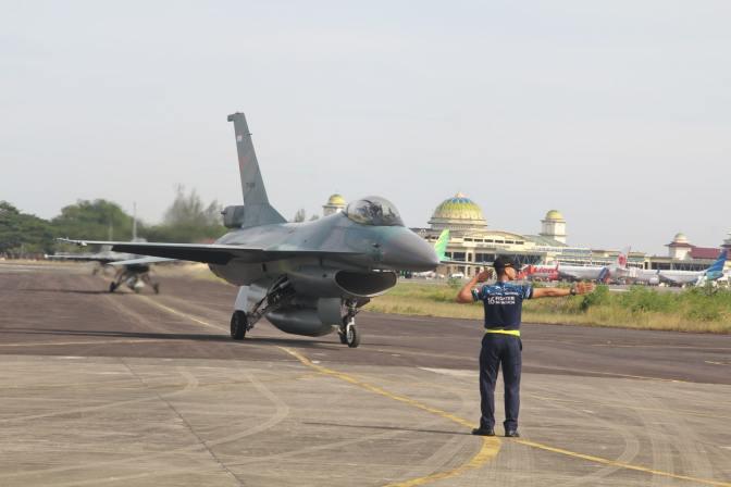 Jaga Wilayah Barat, TNI AU Siagakan Pesawat Tempur Di Lanud SIM