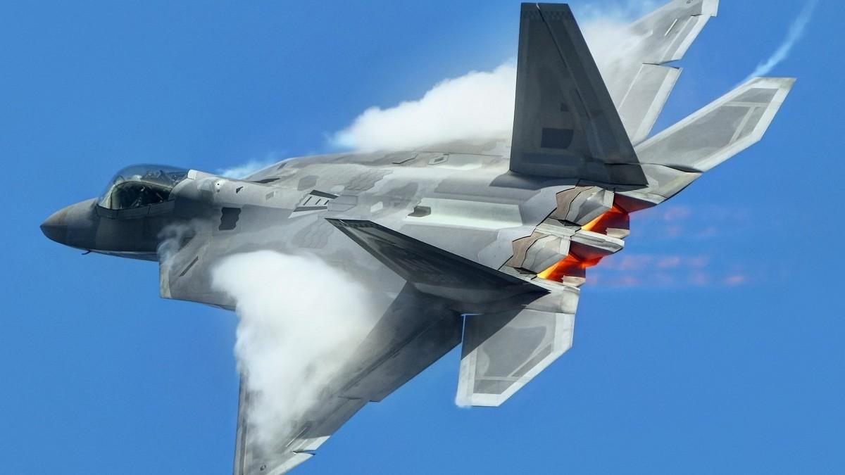 Jet Tempur AS Mengganggu Misi Pengeboman Rusia
