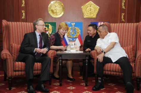 Menteri Pertahanan Ryamizard Ryacudu menerima kunjungan kehormatan Duta Besar Rusia untuk Indonesia HE. Mr Mikhail Y Galuzin, Kamis (0712). (Kemhan)