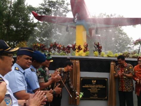 Pesawat Jenis Marchcetti Dimonumenkan di Taman Bendosari Kota Salatiga. (Edy Susanto)