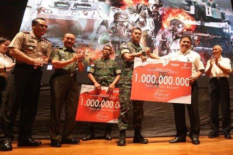 Pindad kembali memberikan dana pembinaan Rp1 miliar kepada kontingen yang berlaga di AASAM dan Rp1 miliar kepada kontingen AARM. (Sindonews)
