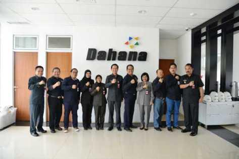 Sekjen Kemhan Tinjau Pembangunan Pabrik Nitrogliserin di PT Dahana (Kemhan)
