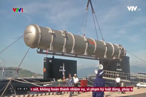 The Vietnamese Navy's Kilo submarine fired the first 3M-54E Club-S missile (VTV1) 1