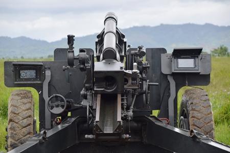 Upgrade Howcanpams yang telah diinstalisasi, alat penjajaran cepat untuk Meriam 105 mm Tarik dan alat pengendali tembakan komputer. (Pussen Armed)