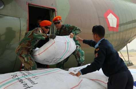 Bantuan Untuk Rakhine State Tiba di Chitagong Bangladesh