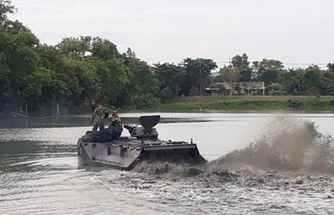 Batalyon Ranratfib-1 Mar Laksanakan Uji Arung 5 Unit LVT-7A1 (TNI AL) 1