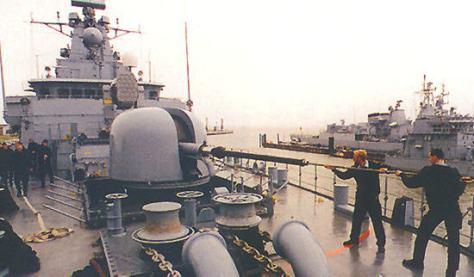 Brandenburg Class has Oto Melara 76mm - 62 mk75 main gun (NT)