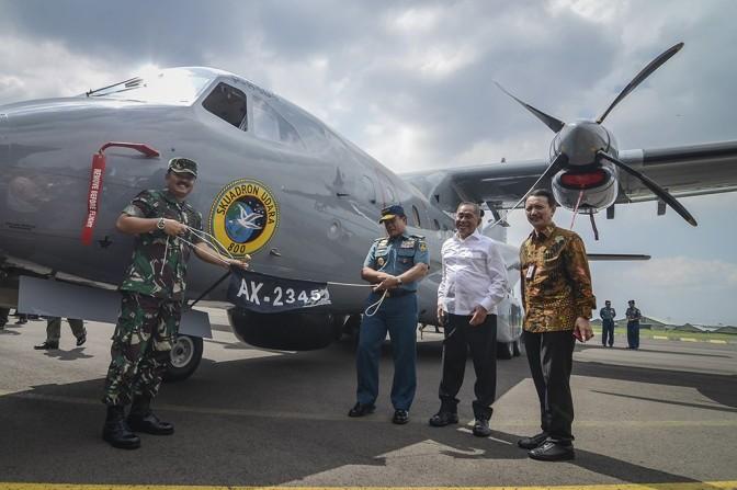 PT Dirgantara Indonesia Kirim Pesawat dan Helikopter Pesanan TNI