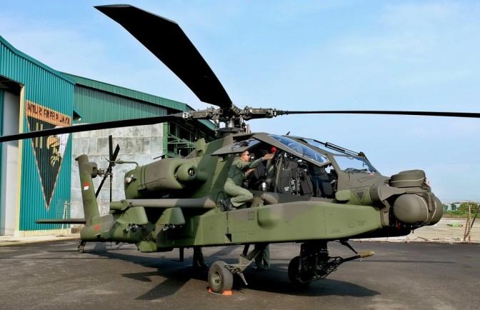 Helikopter AH-64 Apache di Markas Skadron 11/ Serbu Penerbad (Photo)