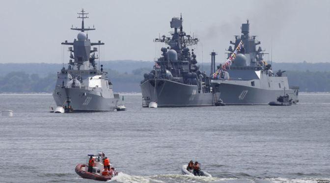 Kapal Perang Rusia Tabrakan dengan Kapal Kargo