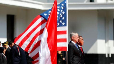 Menteri Pertahanan AS Jim Mattis dan Menteri Pertahanan RI Ryamizard Ryacudu di kantor Kementerian Pertahanan di Jakarta, 23 Januari 2018.