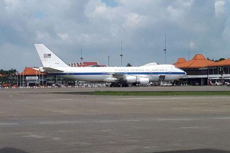 Pesawat Boeing E-4B terlihat berada di bandara Soekarno-Hatta, Tangerang, Banten, Selasa (23012018). (Handout)